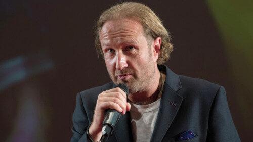 Вайсберг — российский кинорежиссёр